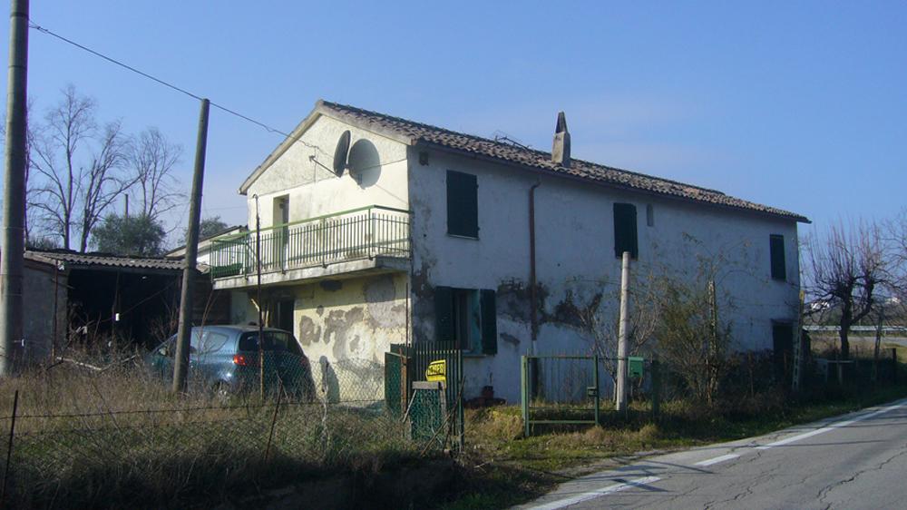 Agenzia immobiliare ala case e ville for Piani casa bungalow con cantina e garage