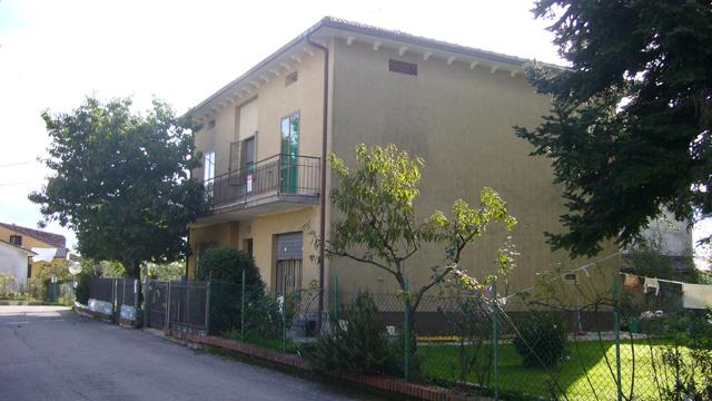 Agenzia immobiliare ala case e ville for Piani di casa del fienile a una sola storia